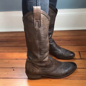 Frye Western-Style Boot—Buttery Leather—size 8.5